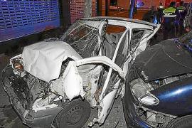 Detienen a un conductor enloquecido que se llevó por delante coches, bicis y motos en Palma