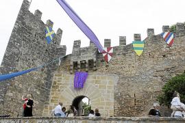 Capdepera se convierte en la capital medieval con un mercado multitudinario