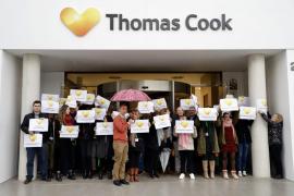 Thomas Cook entrega la carta de despido a sus empleados