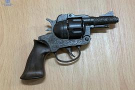 Intenta atracar a un hombre en un cajero de Palma con un revólver simulado