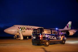 Los españoles repatriados de Wuhan «están perfectamente»