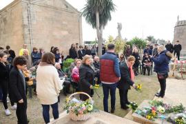 Homenaje a Maria Antònia Salvà en Llucmajor.
