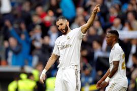 El Real Madrid vence en el clásico al Atlético con un gol de Benzema
