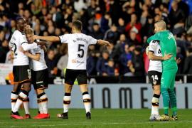 El Mallorca saca provecho de la derrota del Celta en Valencia