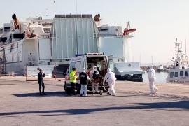 Los 363 migrantes rescatados por la ONG Open Arms desembarcan en Sicilia
