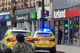 La policia abate a un hombre tras apuñalar a varias personas en Londres