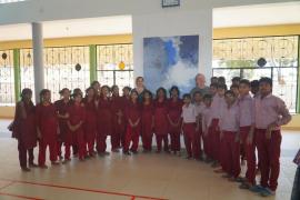 Armengol visita en la India colegios inclusivos y talleres
