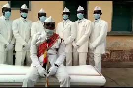 Los sepultureros del meme del coronavirus