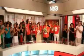 Los trabajadores de Canal Nou protestan en directo