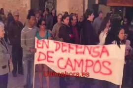 Concentración en Campos contra el derribo en ses Covetes