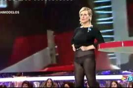 Mercedes Milà enseña las bragas a la audiencia