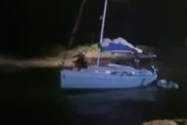 Rescatan a los tripulantes de un velero golpeado por el temporal en Formentera