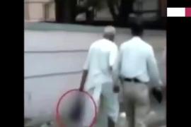Decapita a su mujer y se pasea con la cabeza