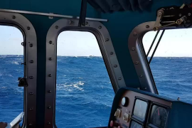 Salvamento Marítimo remolca un pesquero a la deriva en Cap Salines