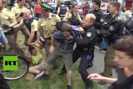 Estudiantes se enfrentan a la Policía