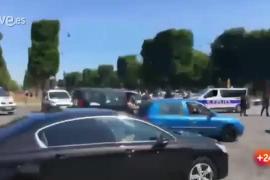 Incidente en los Capos Elíseos de París
