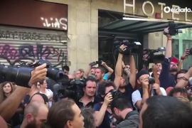 Los Mossos retiran a los neonazis de la manifestación racista de Las Ramblas de Barcelona