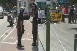 Explosión de un petardo en la plaça d'Espanya