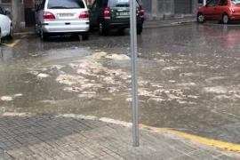 Una alcantarilla se colapsa y las aguas fecales 'brotan' al exterior en Palma