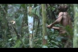 Las increíbles imágenes del último sobreviviente de una tribu en la Amazonía