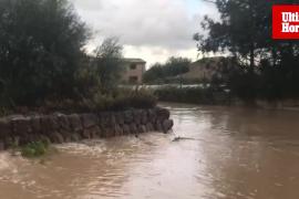 Varias carreteras de Mallorca han quedado anegadas por el agua