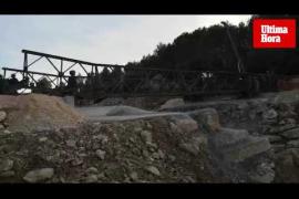 El Ejército monta el puente militar provisional sobre la carretera de Artà