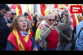 Cientos de personas se concentran en Palma contra Pedro Sánchez