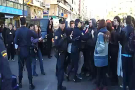 Enfrentamientos entre la policía y estudiantes en Valencia