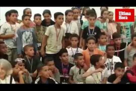 90 niños del campo de refugiados del Sáhara llegan a Mallorca
