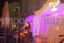 La chispa mágica de Zahara enamora en Ibiza