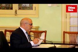 Un diputado de Vox recita el 'Cara al sol' en una comisión del Parlament