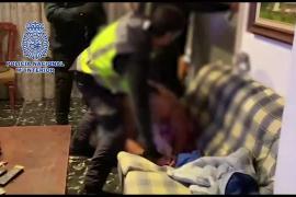 La Policía Nacional detiene a tres fugitivos buscados