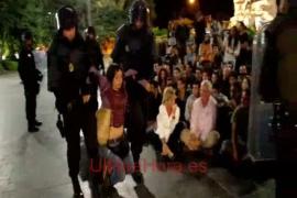 Desalojo policial de la Plaça d'Espanya